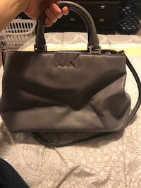Gray Michael Kors purse, used once Mississauga, L5N 7N3