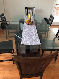 Huge glass dining table Springfield, 22150
