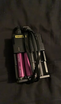 Li-ion battery charger and 2 batteries