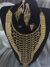 gold necklace and earrings set Edmonton, T5E