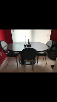 Kitchen table 4 chairs  Damascus, 20872