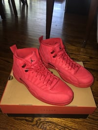 Jordan 12 Gym Red (Size 9.5) Toronto, M9C 2Z4