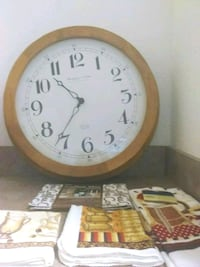 Large Clock And Kitchen Towels Jacksonville, 32246