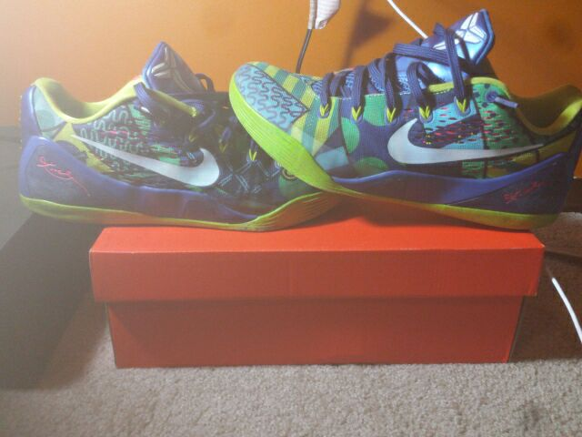 free shipping a0f10 68ee7 new zealand nike zoom kobe 6 grinch size 12 la lakers christmas atmos 772eb  05cef  coupon for kobe 8 venice beach for salg kansas b2c12 b1c4b