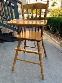 Antique High Chair!  Langley, V2Y 3A6