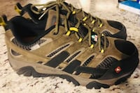 $75 New Merrells Steel Toe Work shoes Size 9 Wide CSA approved! Sells for $175 plus tax Thorold