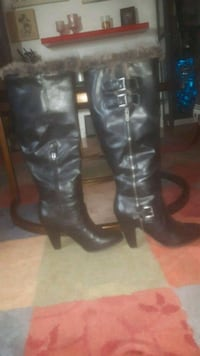 Size 8.5  ladies beautiful great shape warm not too warm real leather Edmonton, T6E 4M8