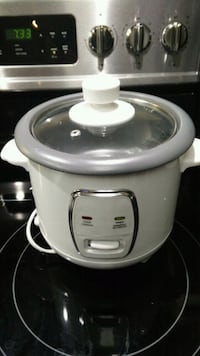 white and gray slow cooker Markham, L3R 6X9