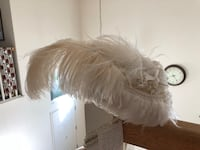 White ostrich feather hat Gold River, 95670