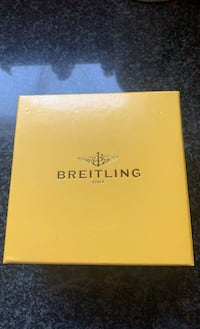 Breitling Bakelite Box & outer Yellow Box Toronto, M9B 5Z4
