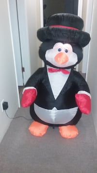 4 Ft High Inflatable Penguin Snowman For Your Christmas Decorating 3726 km