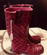 Pair of Ladies Pink  Rubber Boots Barrie, L4N