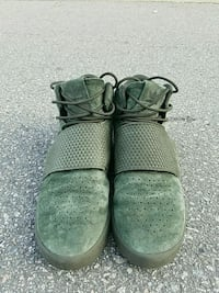 pair of green Nike basketball shoes 3718 km