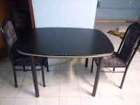 Table with 2 chairs like new only $31 dollars Toronto, M6E 3N4