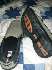 Size 11 mens slip on shoes  Sioux Falls, 57103