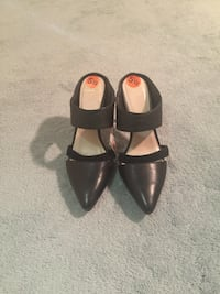 Pair of black leather high heels Worcester, 01609