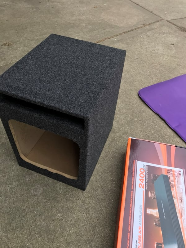 Subwoofer box and amplifier, bunch of other cool stuff: Harmon speakers, etc 9d8ddcb8-770b-4149-8ed7-91c03be5d686