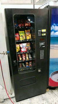 Snack vending machine fully working best deal  Gaithersburg, 20879