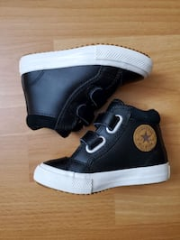 Converse Toddler shoes size US 6