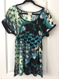 Size M top with new scarf Kitchener, N2H 1A2