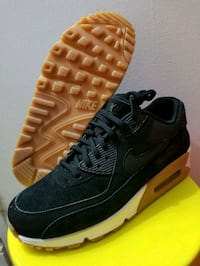 Nike Air Max 90 Suede women's sz7  Mississauga, L5B 3W3