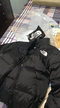 Northface jacket never worn size L Toronto, M1N 2K2