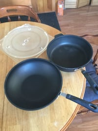 two round black ceramic bowls Hawkesbury Est
