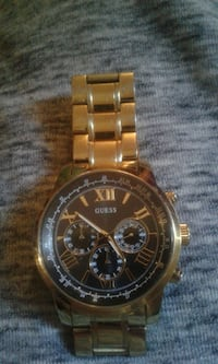 Mens Gold Guess Watch Burnaby, V5A 4X9