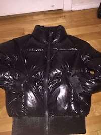 Monclair homme 300$ nego extra small