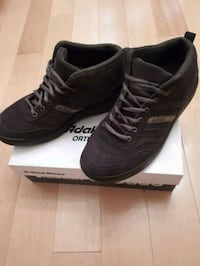 pair of black Puma low-top sneakers with box Markham, L3T 4W7