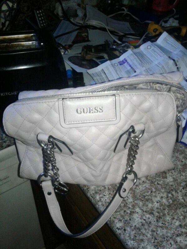 9c1181c3c5 Used New guess bag like pink for sale in San Leandro - letgo