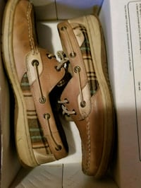 brown and gray leather boat shoes with box Winchester, 22602
