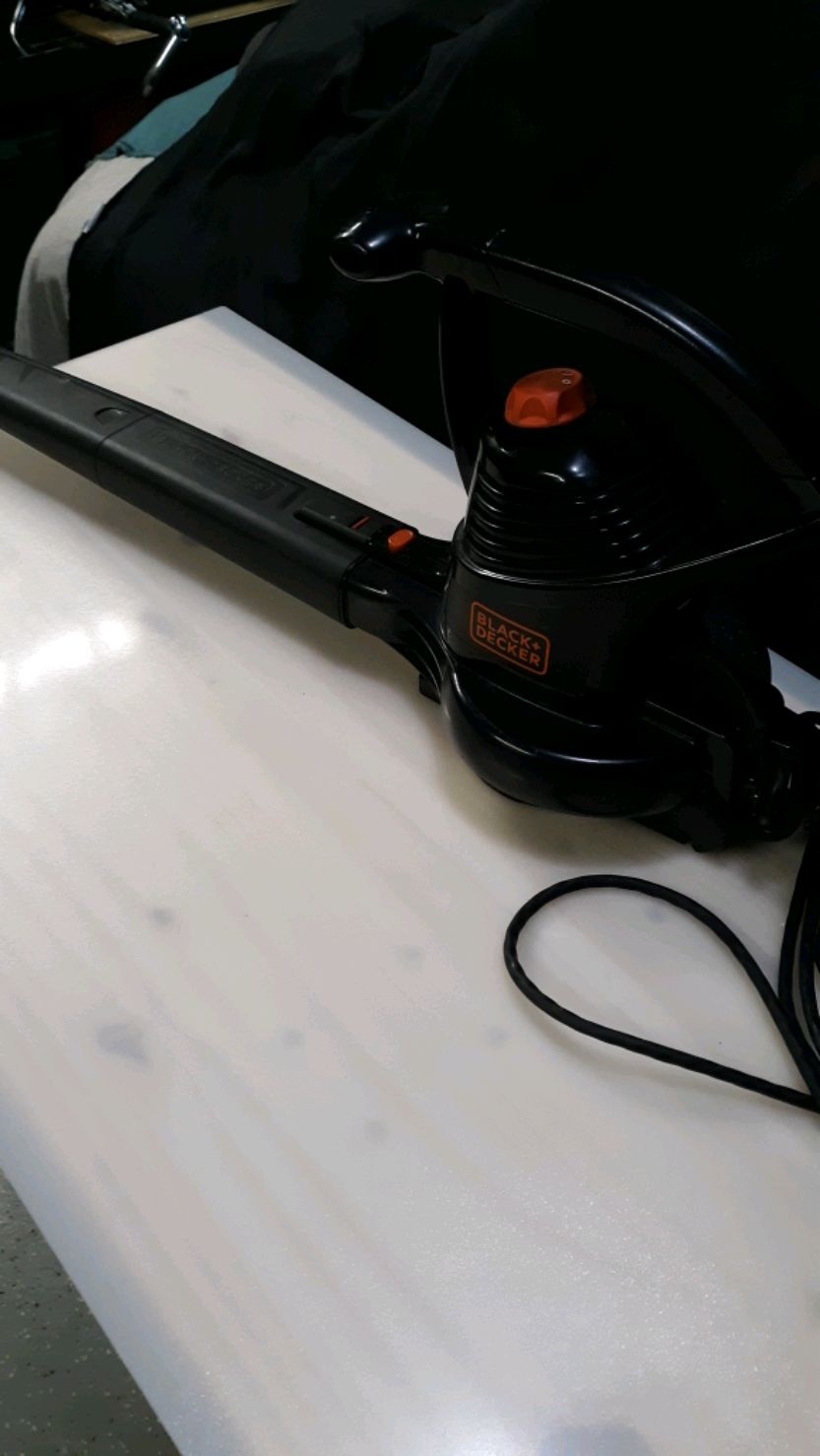 Photo Black and Decker blower tool
