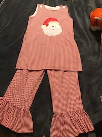Santa set- so cute! Size 5 to 7 young girls  Pickens, 29671