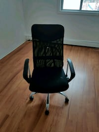 black leather padded rolling chair London, N6P 1P6