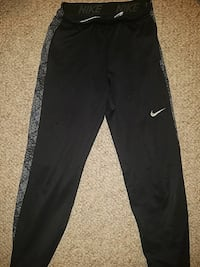 black and gray Nike sweatpants Washington, 20016