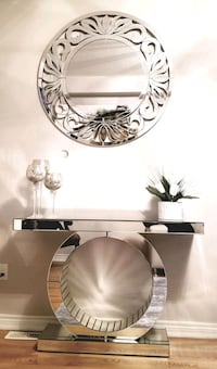 Luxury mirrored console table and mirror  Toronto, M9L 2A9