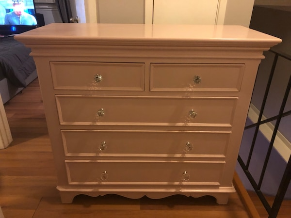 Used Solid Wood 5 Drawer Dresser Painted Pale Pink For In San Jose Letgo