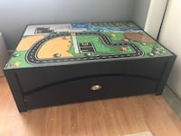 Kids play table with reversible top and storage drawer Bakersfield, 93307