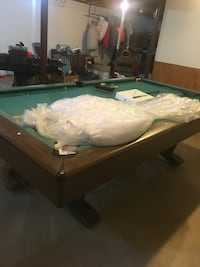 Pool table Caledonia, 53402