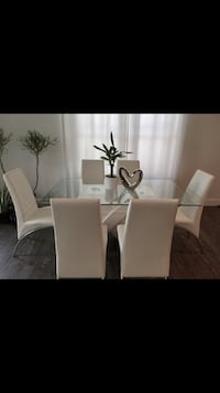 White dining table  Mesa, 85201