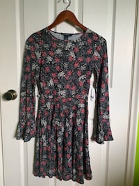 Women's French Connection floral dress size 2 Mississauga, L5E 2V9