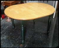 Dining Room Table / Kitchen Oval Table Hudson, 03051