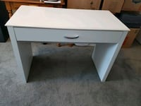 gently used wayfair desk Newmarket, L3X 1C8