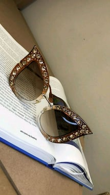 Amber coffee cat eyed crystal framed sunglasses