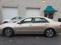 07 Honda Accord (Clean title, low miles one owner and excellent condition!!) Suitland