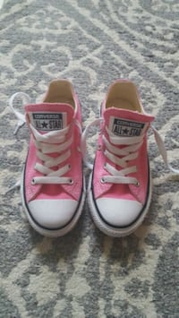 Converse size 12 kids  Dover, 17315