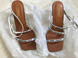 New-high-heeled shoes