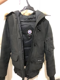 Canada Goose Women Jacket size Small