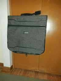 Luggage garment bag pick up only Warren